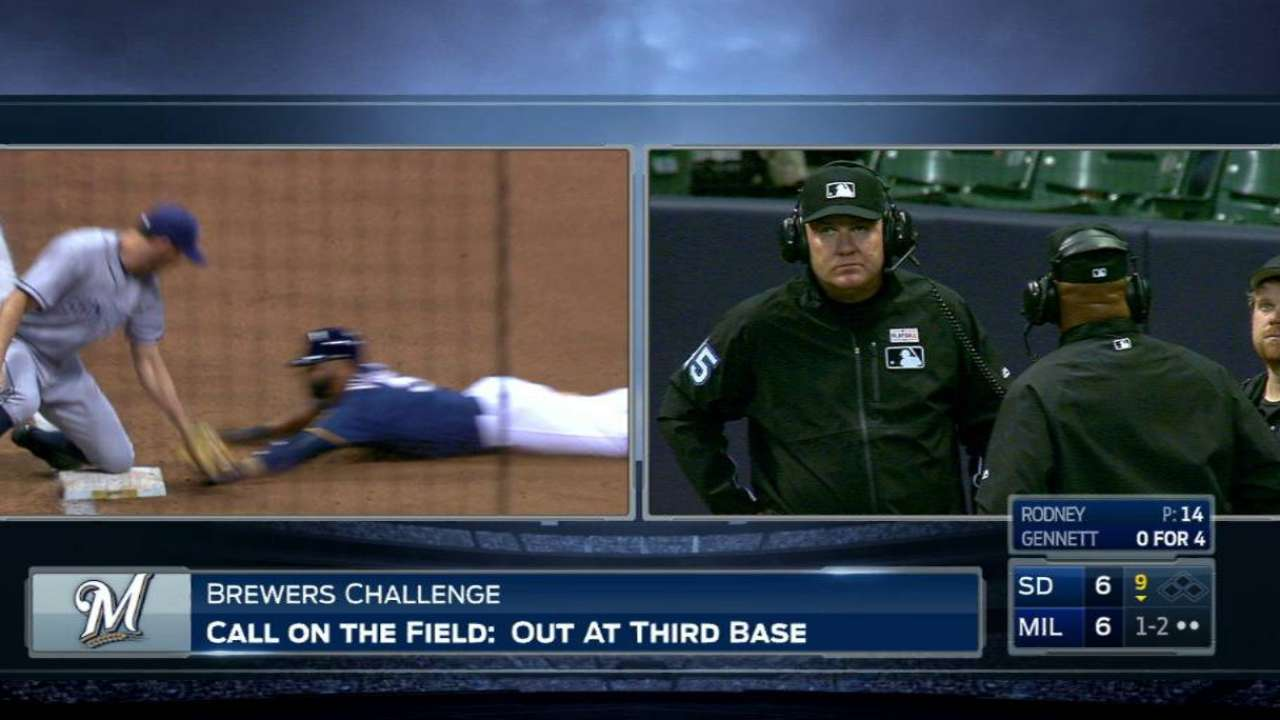 Sanchez throws out Villar