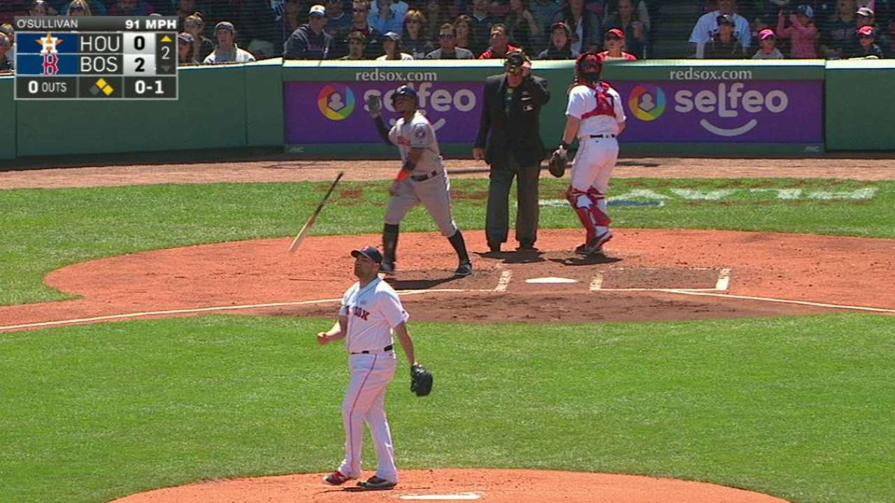 Valbuena's three-run homer