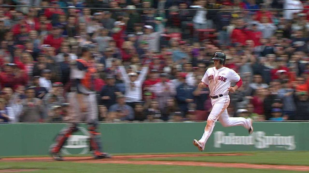 Hanigan takes advantage of miscue to spur rally