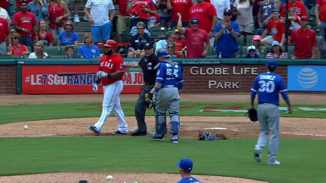 Fielder gets hit by Chavez
