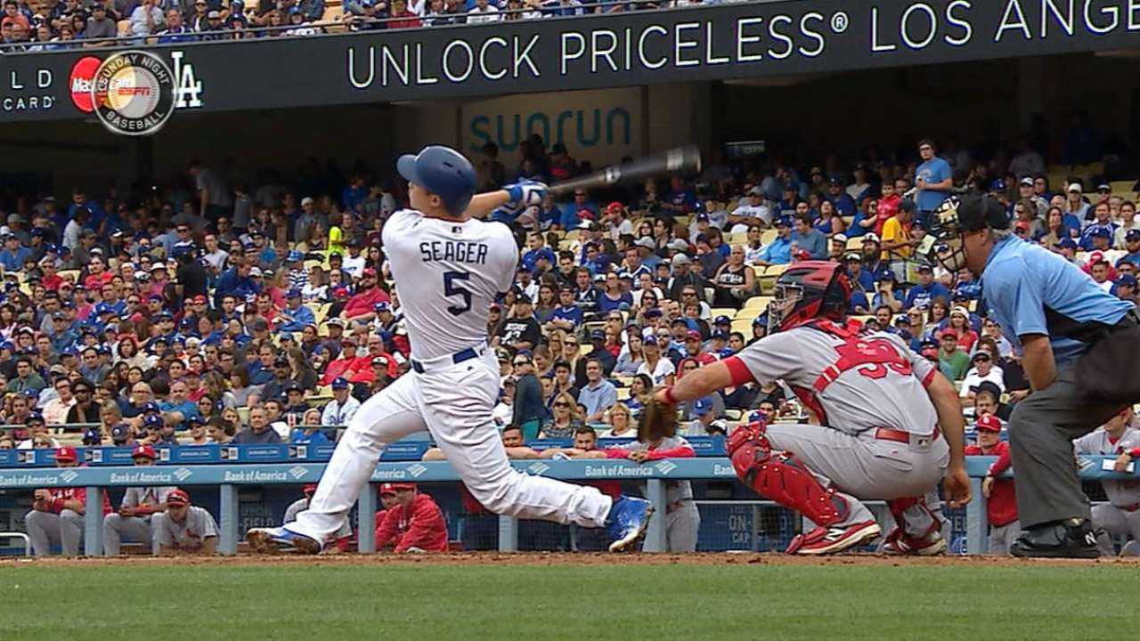 Evolving Seager has first two-homer game