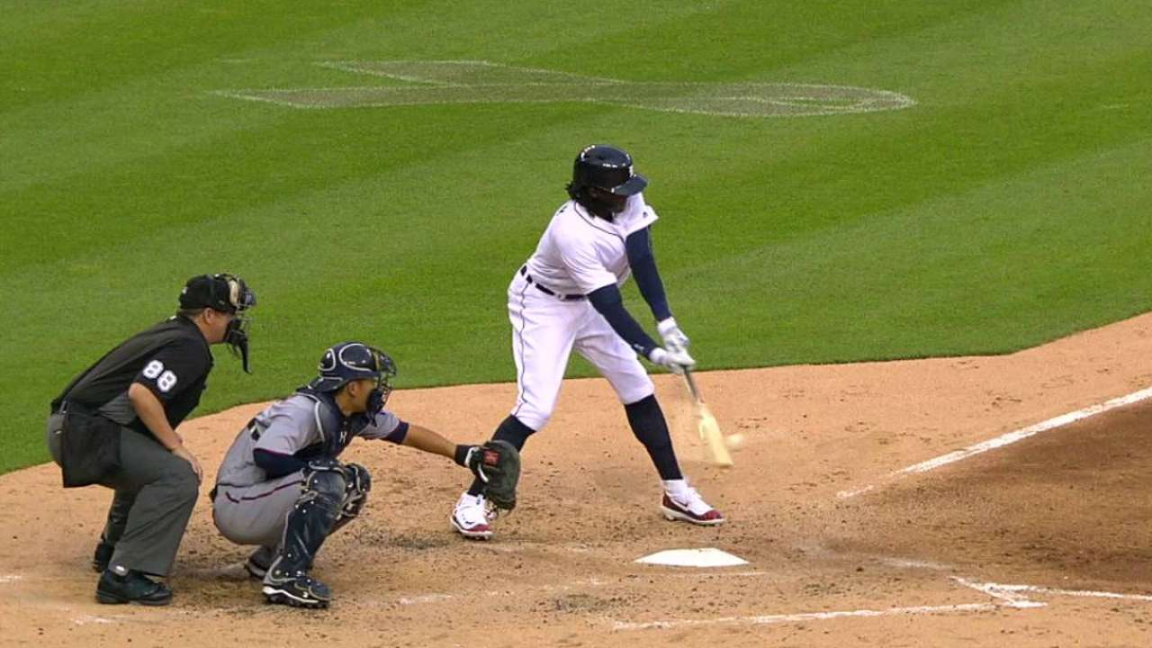 Maybin's first hit of 2016