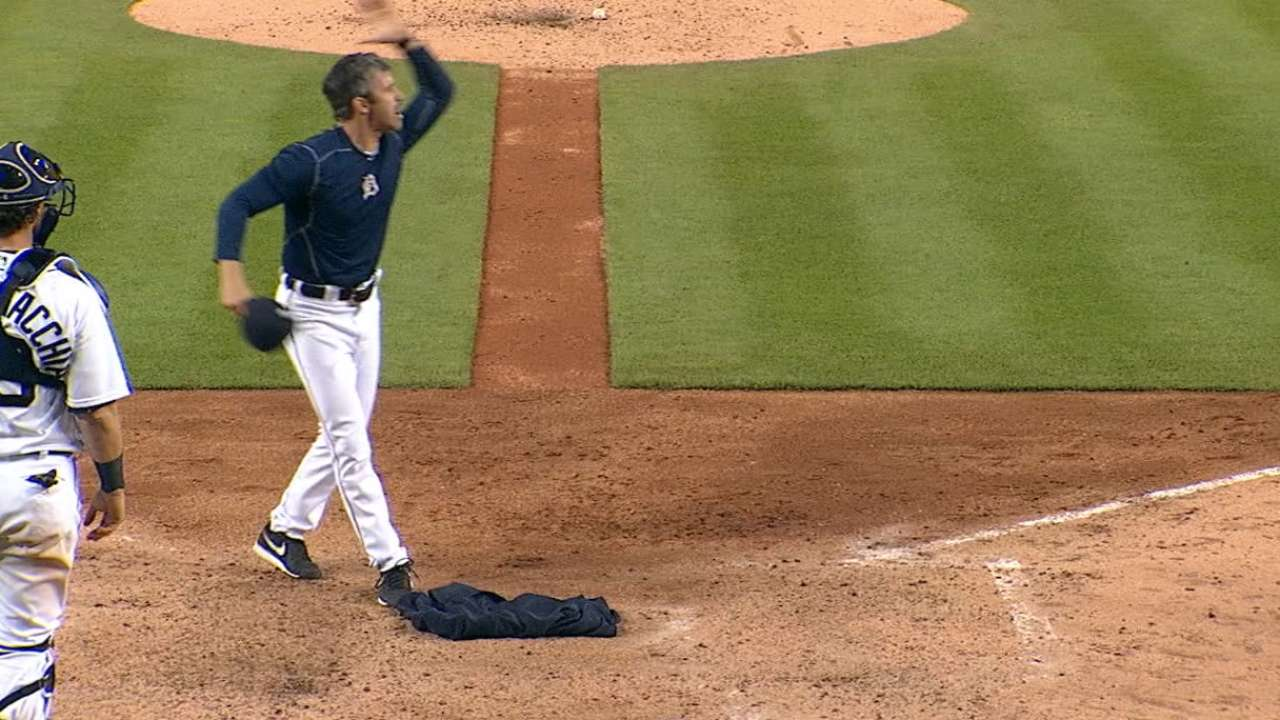 Ausmus suspended 1 game, fined for tirade