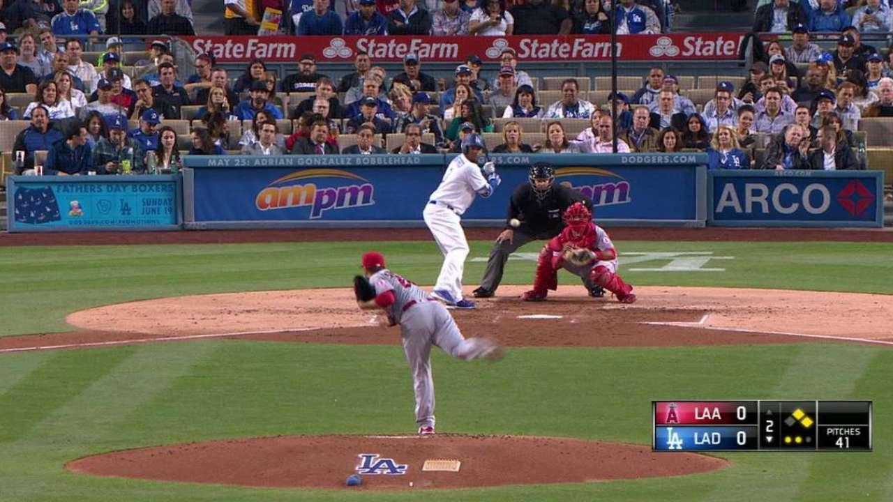 Dodgers designate Crawford, call up Barnes
