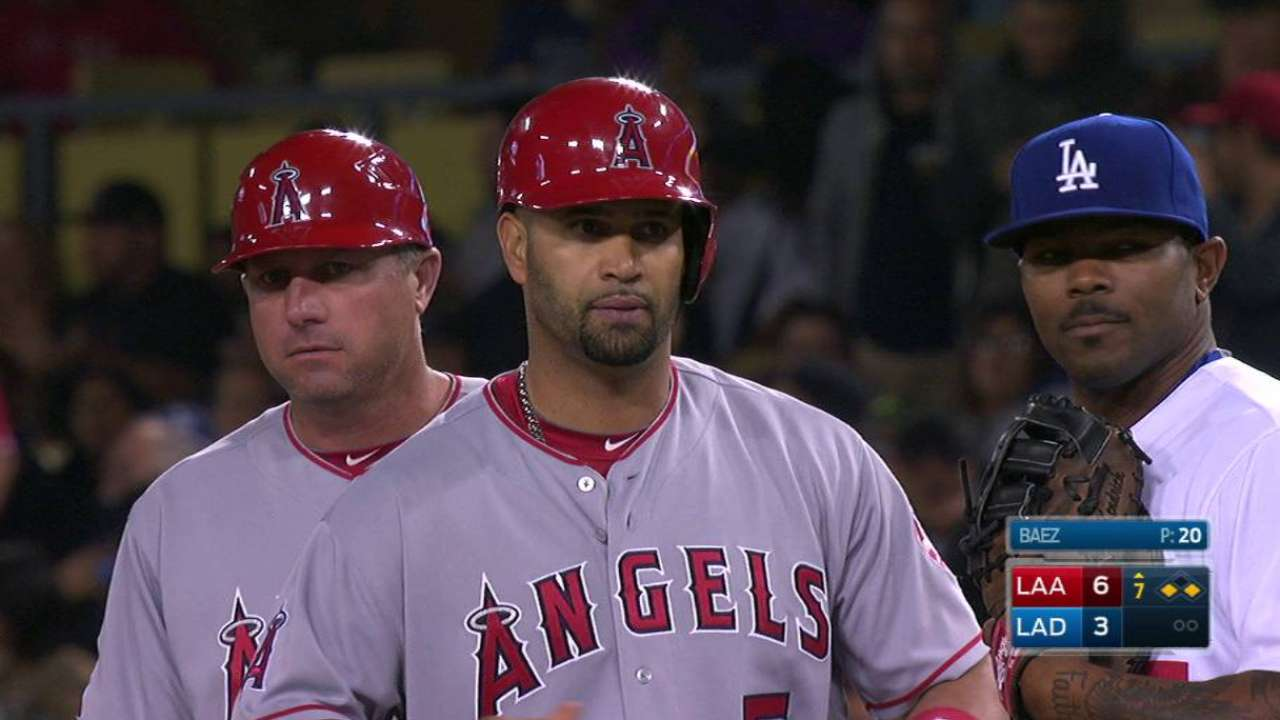 Angels stave off Dodgers in Freeway opener