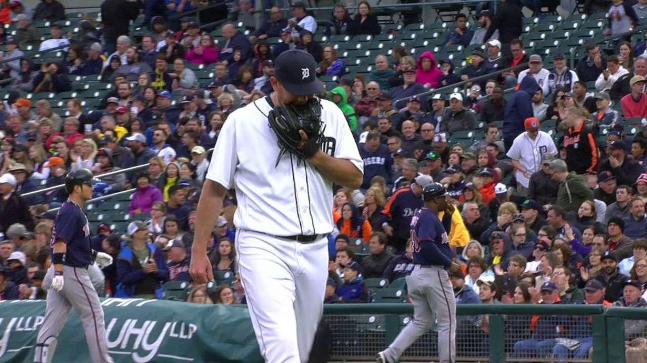 Pelfrey starts to turn corner in Tigers' rotation