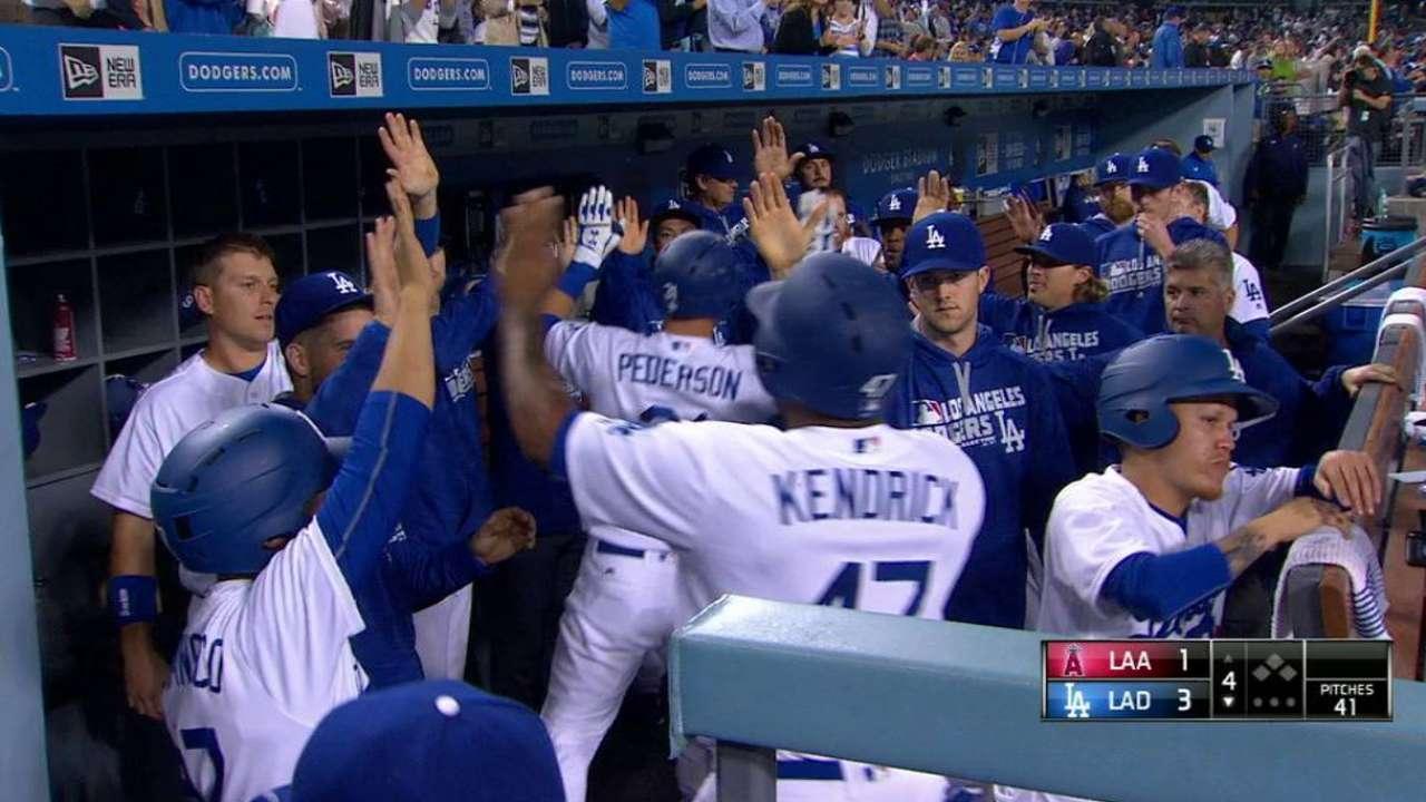 Kershaw vuelve a brillar y guía a Dodgers sobre Angelinos