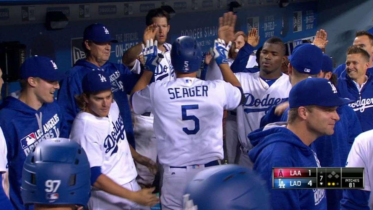 Seager's solo home run