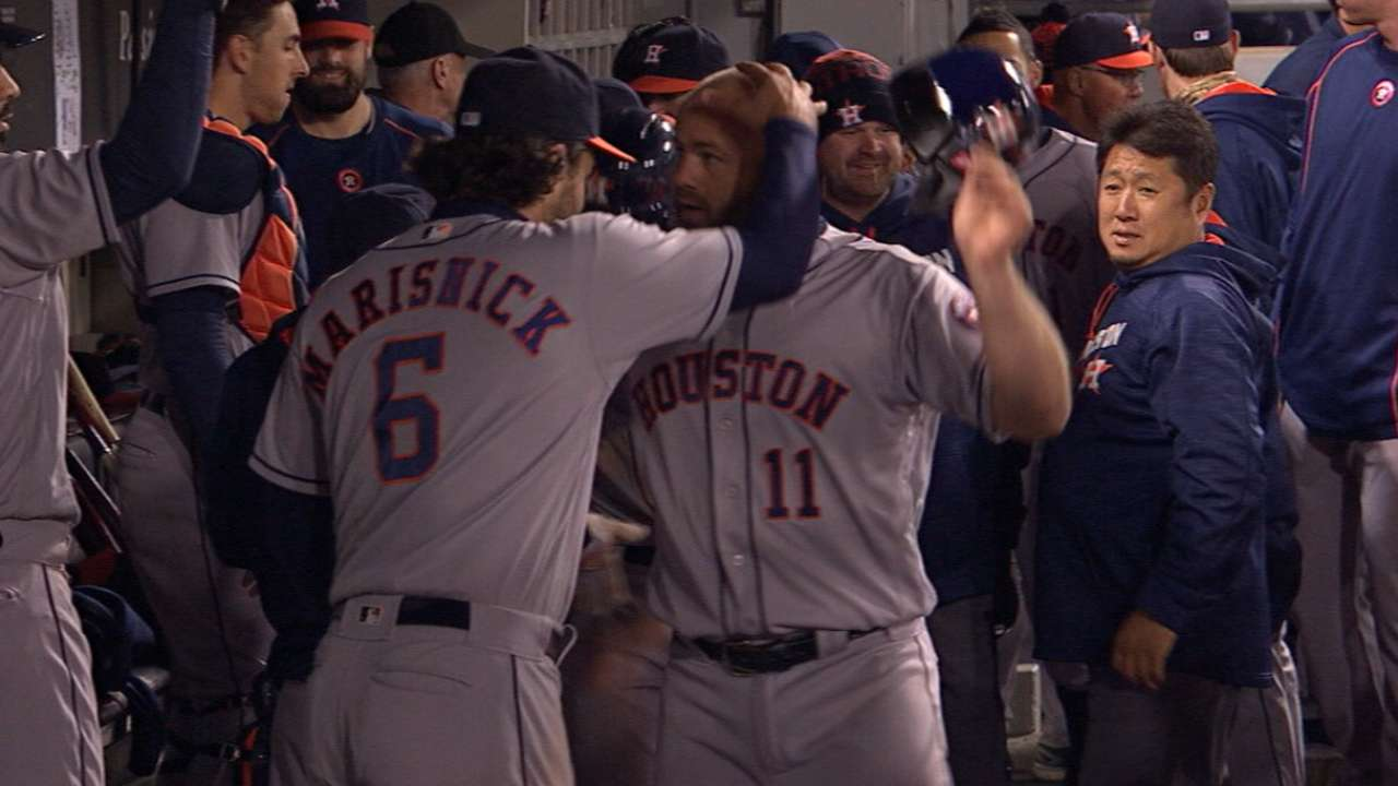 Gattis carries Astros over White Sox in return