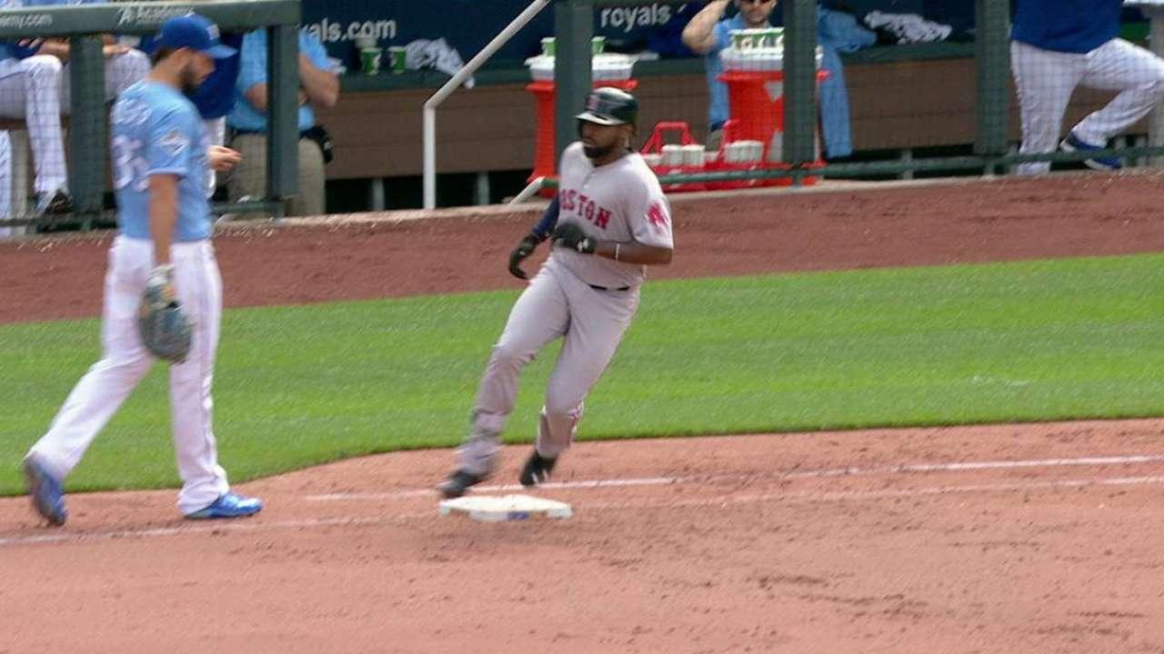 Bradley Jr. extends hit streak