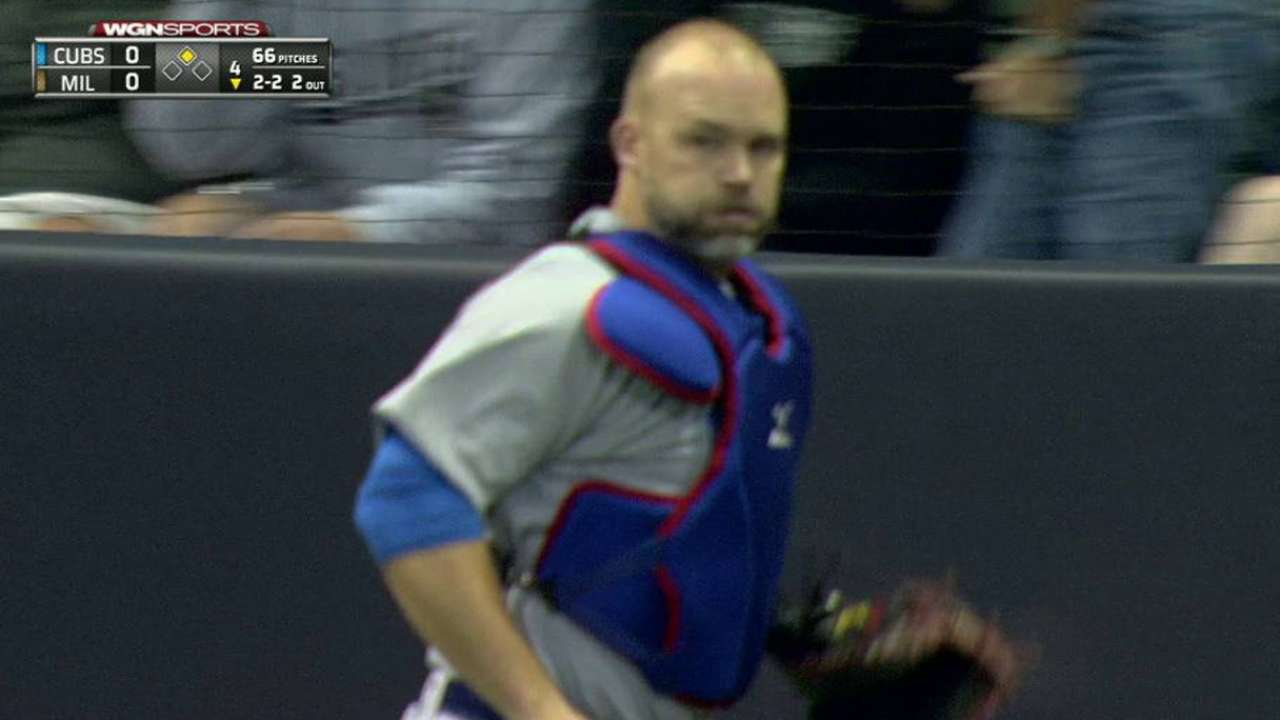 Ross picks Lucroy off at second
