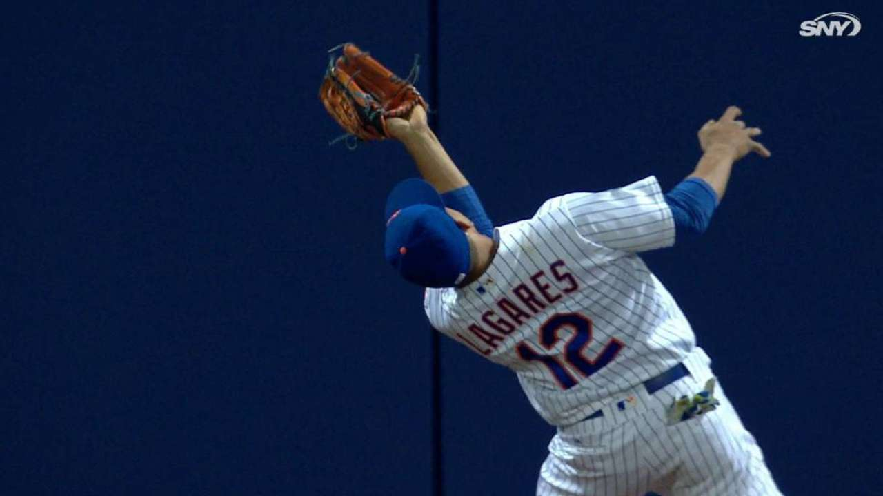 Juan great catch: Lagares channels Mays