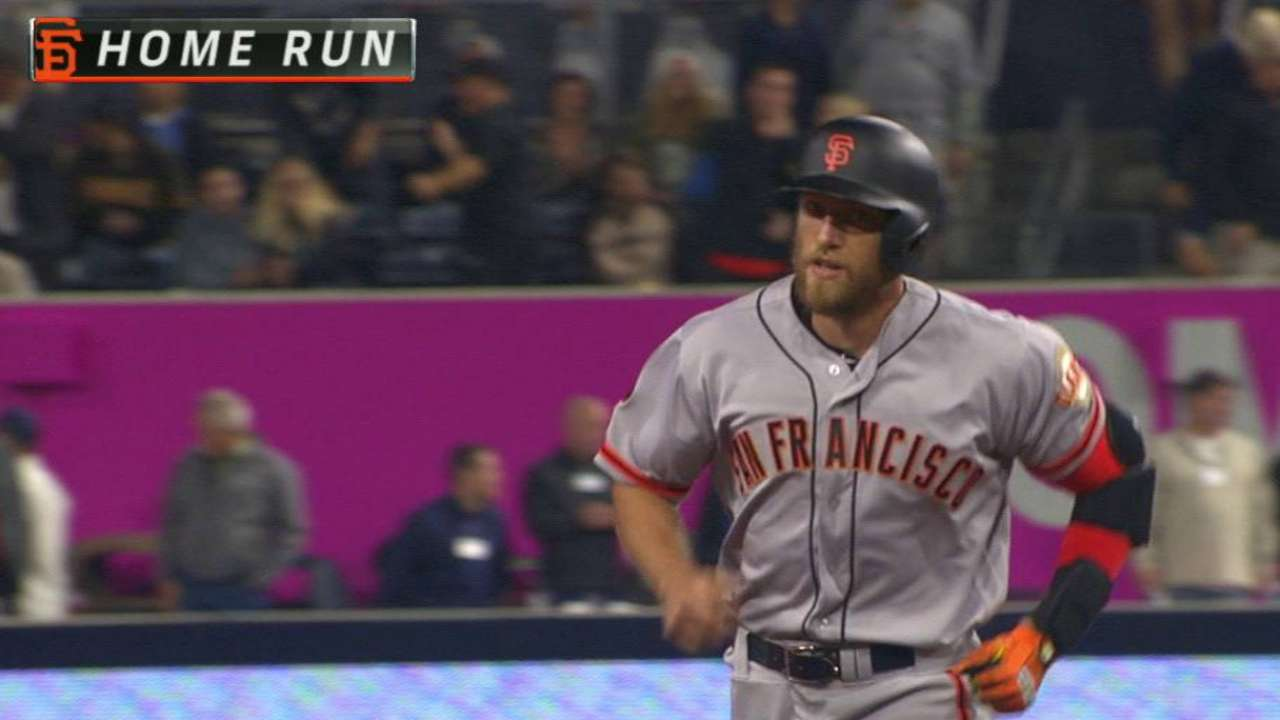Pence, Cueto push Giants to 7th straight win