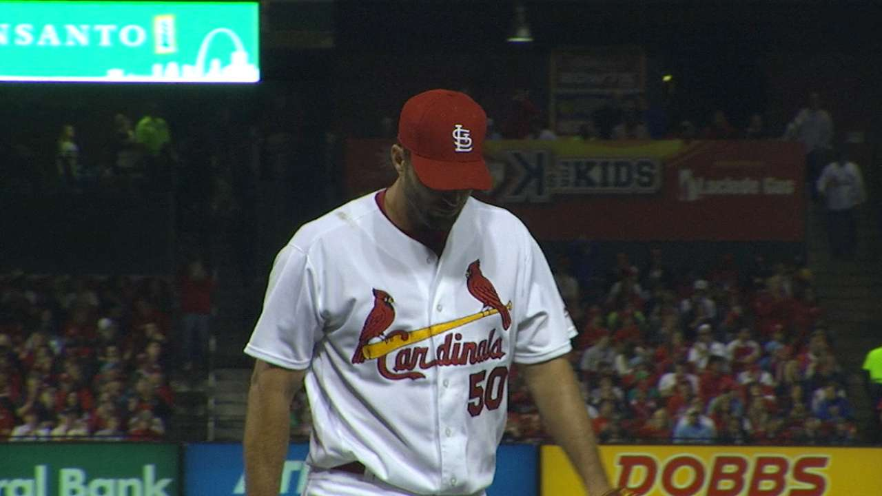 Wainwright helps Cards even series vs. Rox