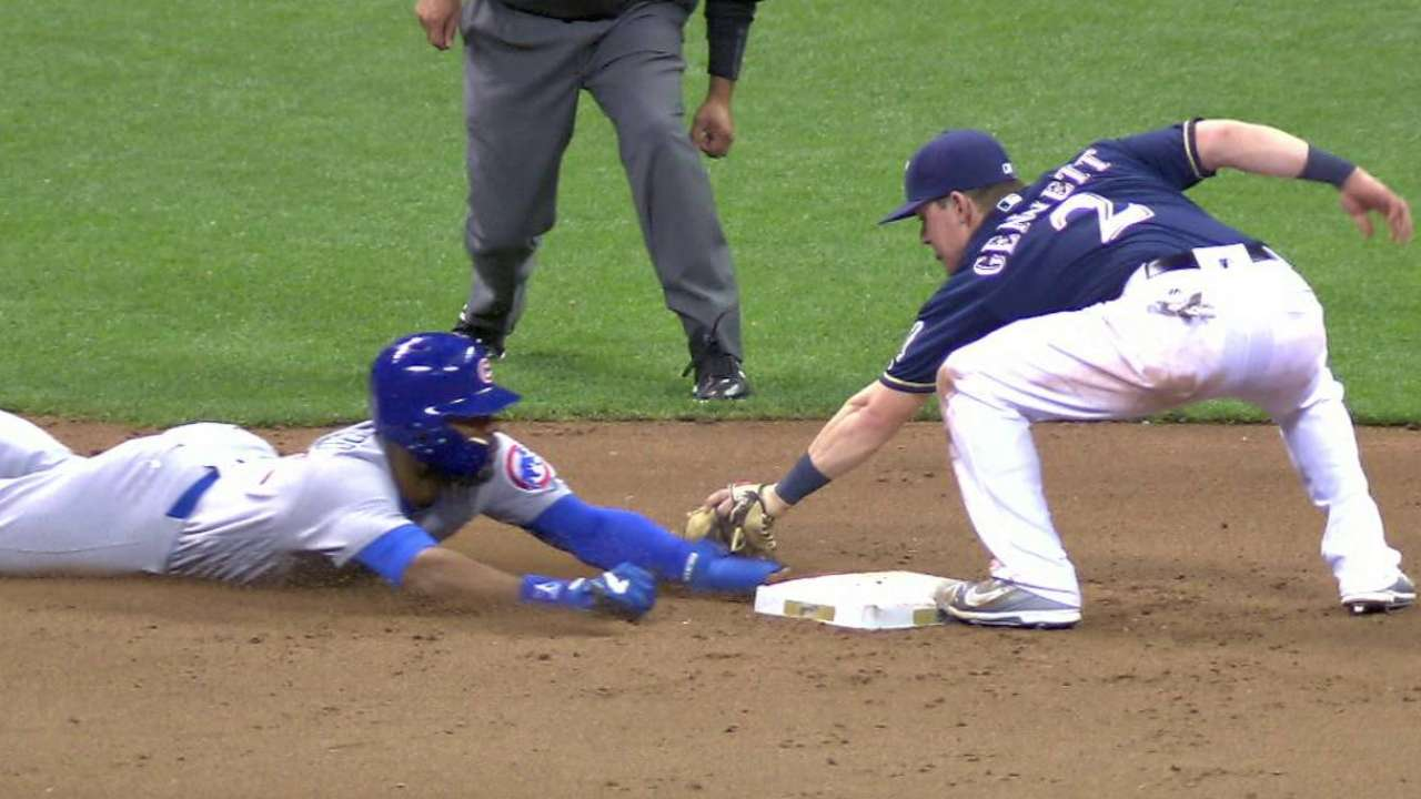 Lucroy throws out Heyward