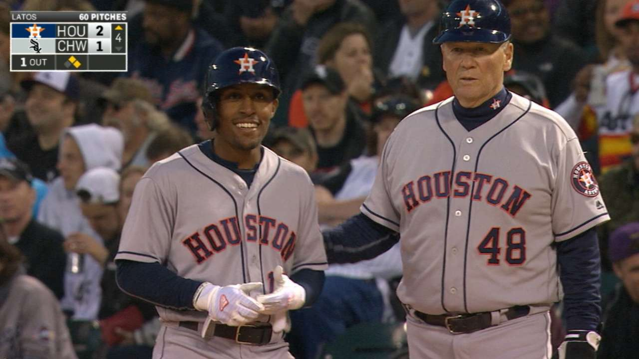 Kemp's two hits, outfield assist