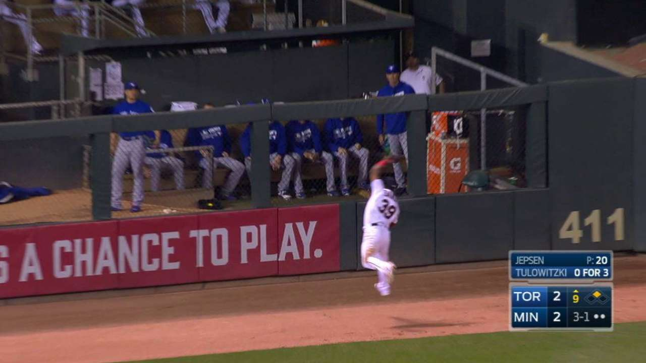 Santana's leaping catch