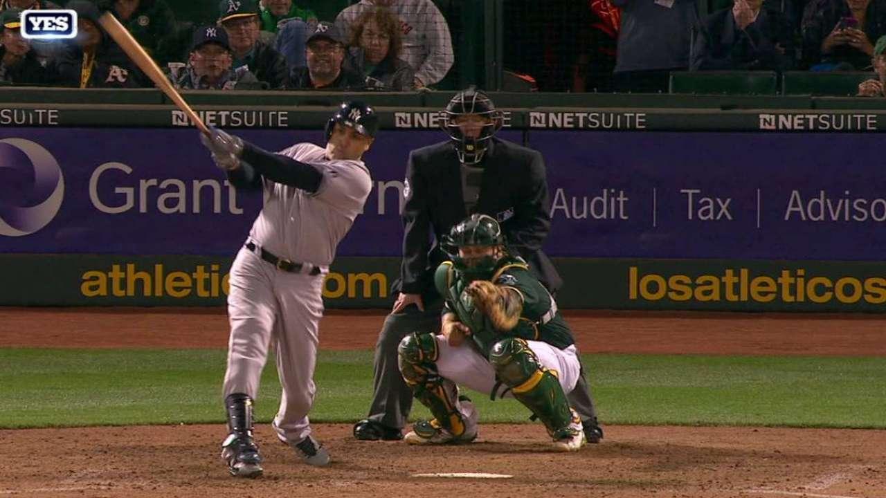 Yankees dominan a Oakland detrás de Beltrán, Nova