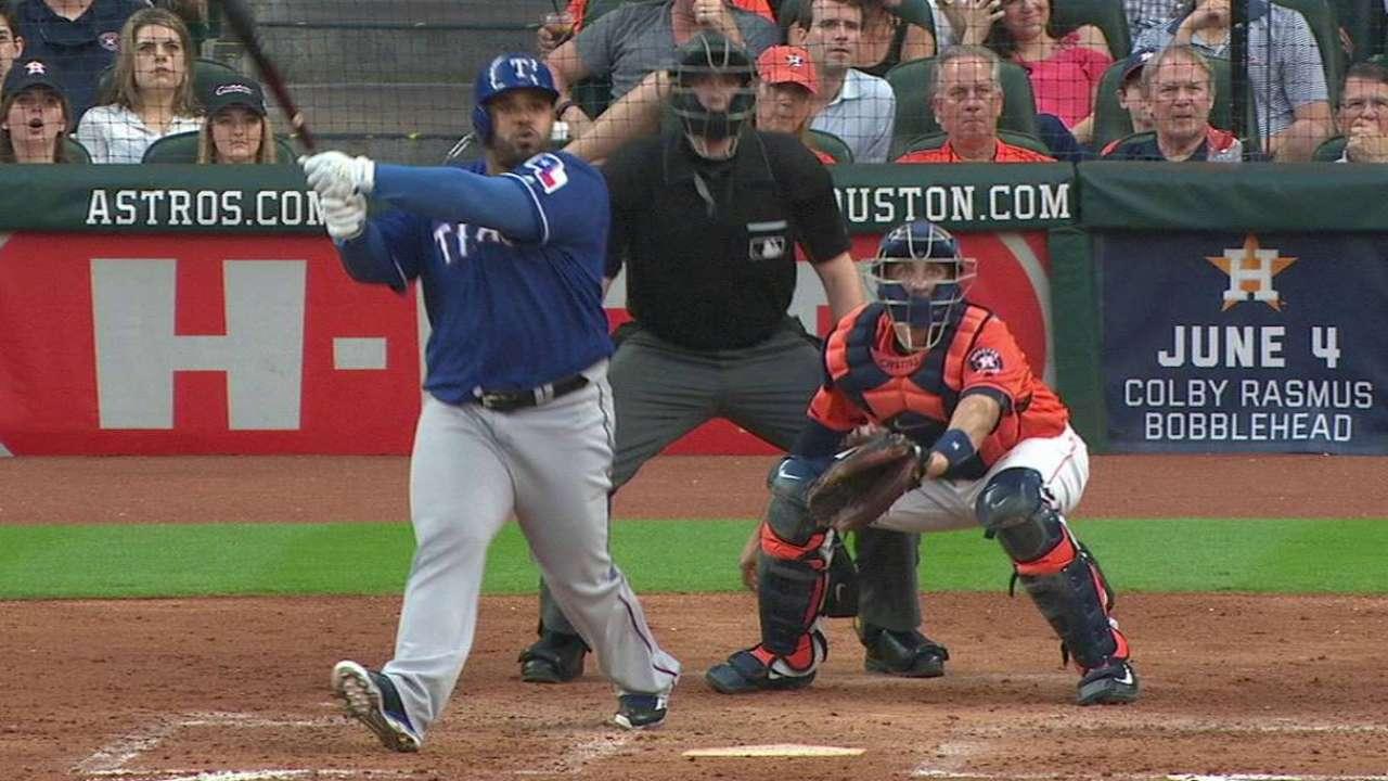 Fielder, Lewis unen fuerzas y Texas gana en Houston