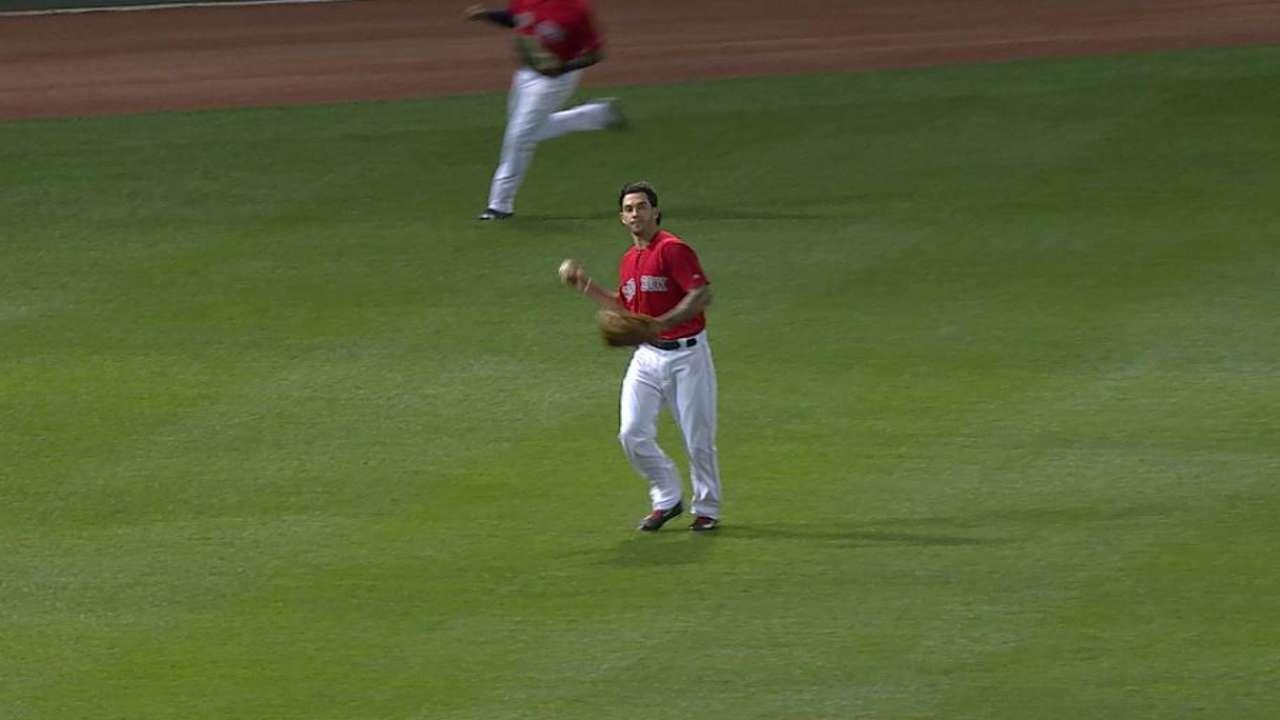 Swihart's running grab