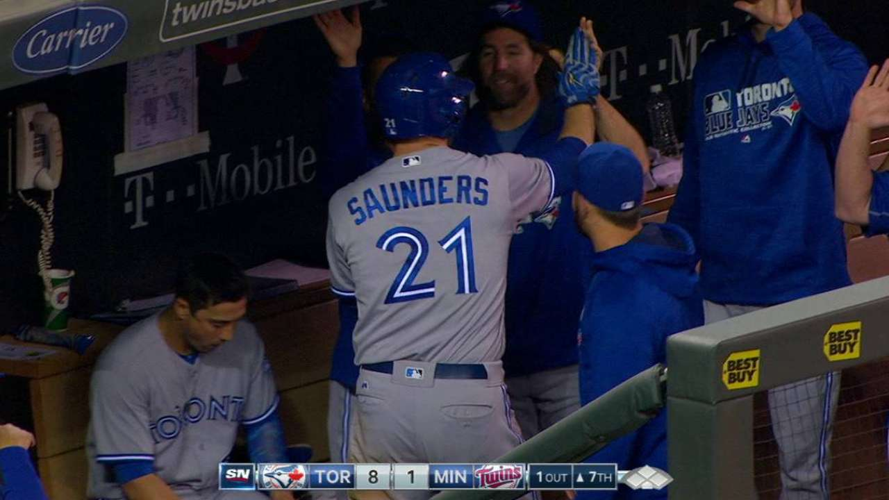 Smoak, Saunders thriving in middle of order