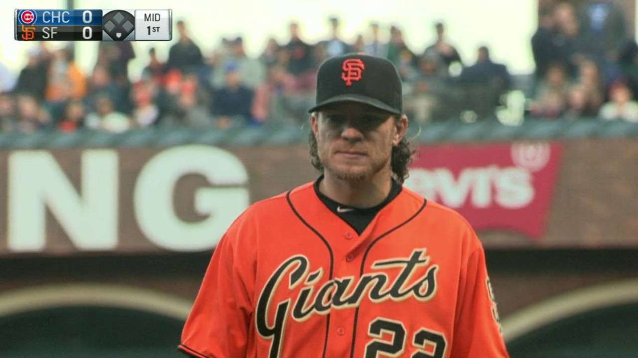 Peavy gets out of early trouble