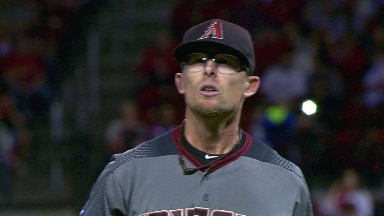 Clippard gets out of a jam