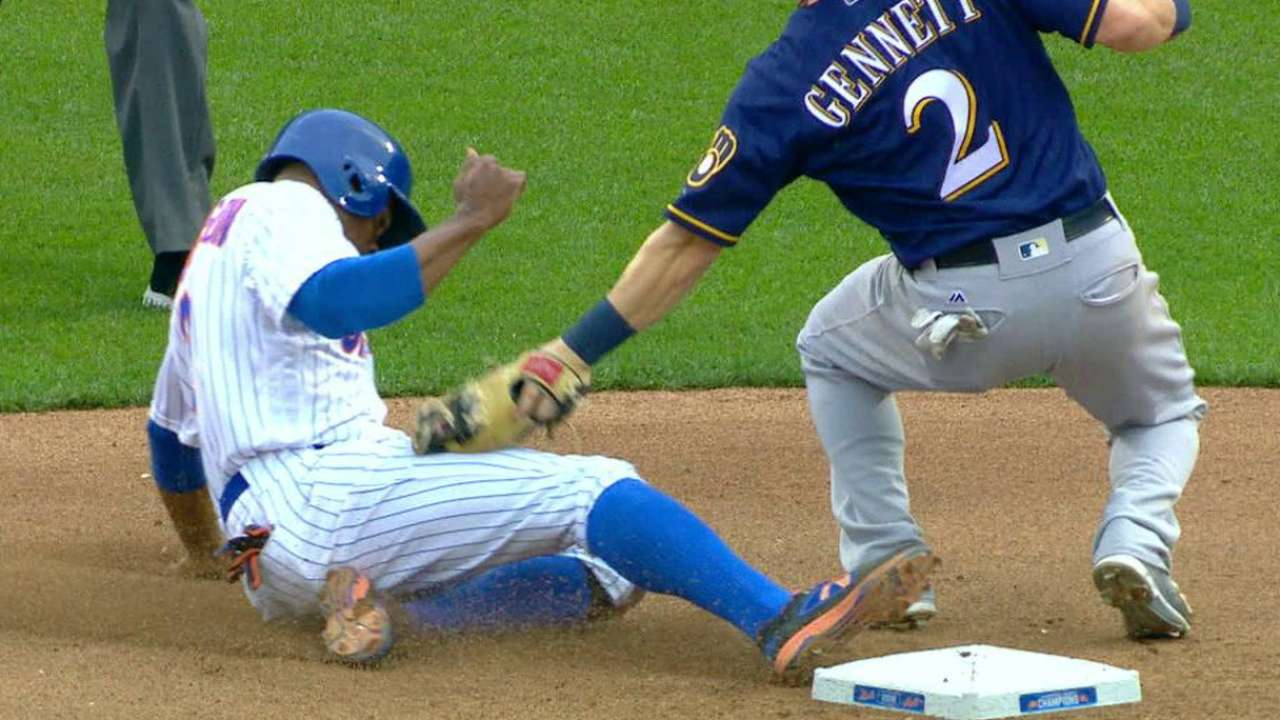 Lucroy throws out Granderson