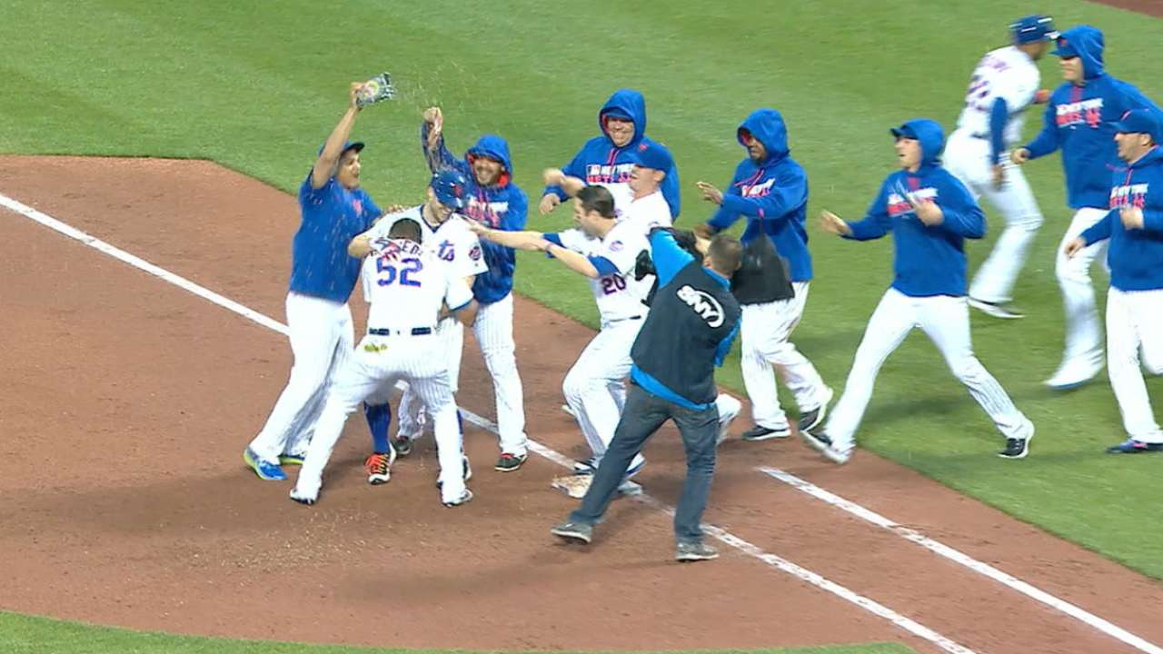Wright sends Mets to first walk-off win of 2016