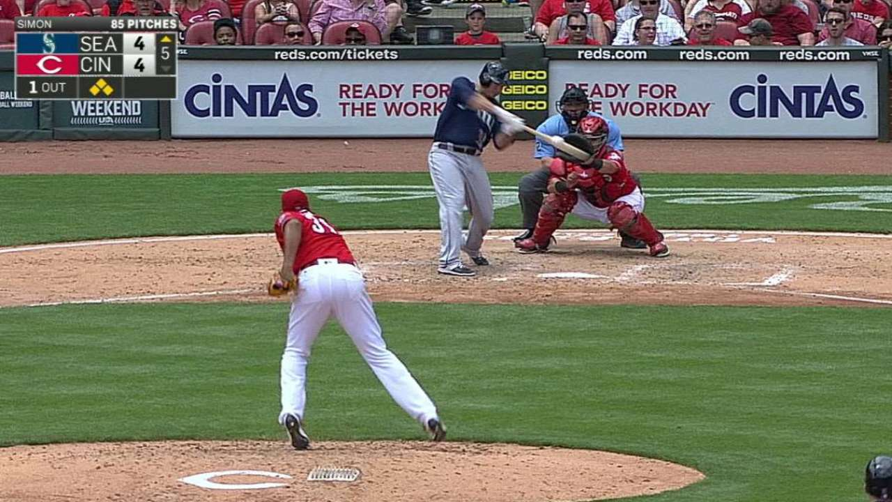 Big 5th inning leads Mariners to sweep of Reds