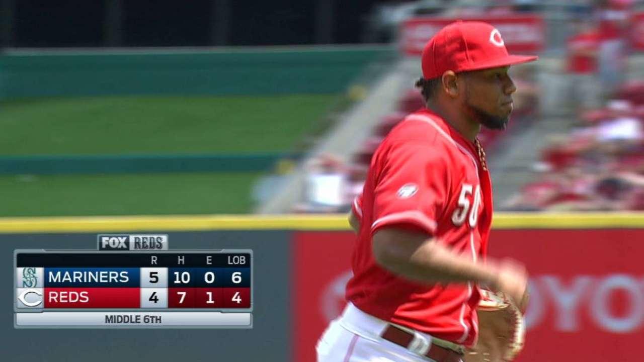 Diaz induces double play