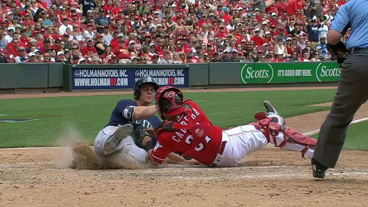 Duvall nabs Seager at home plate