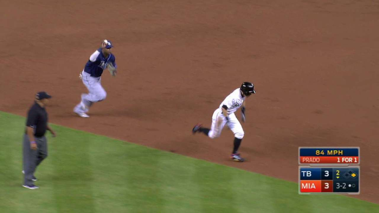 Rays turn DP to end the inning