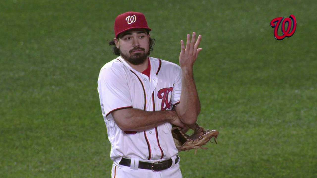 Rendon throws out Campbell