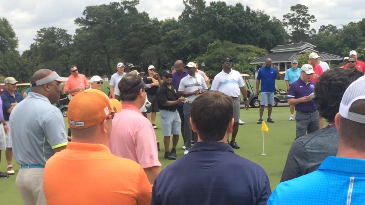 Alumni group golfs for good cause in Houston