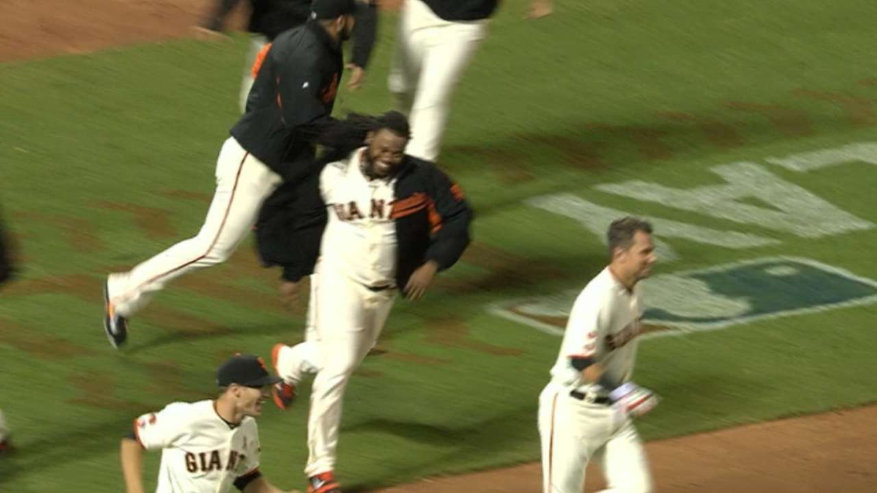 In a pinch, Giants get stunner from Pence