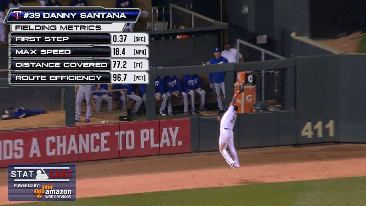 Statcast: Santana's leaping grab