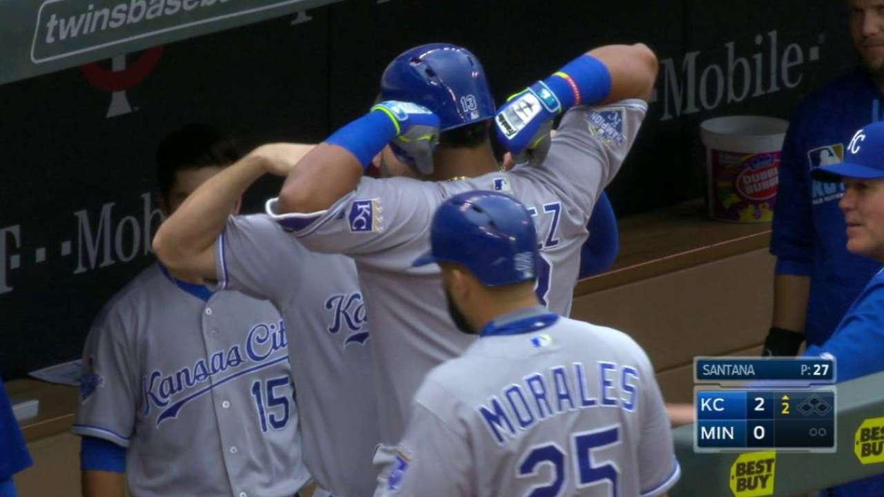 Perez's HR, Cain's 4 hits push Royals past Twins