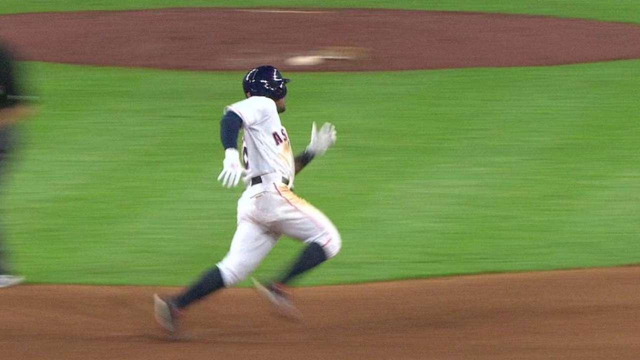 Kemp's late triple
