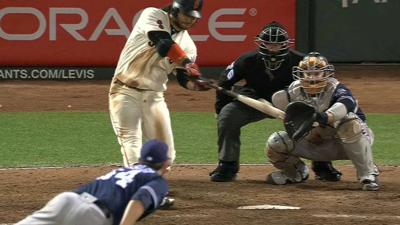 Giants feast in 8th to back Shark, net series