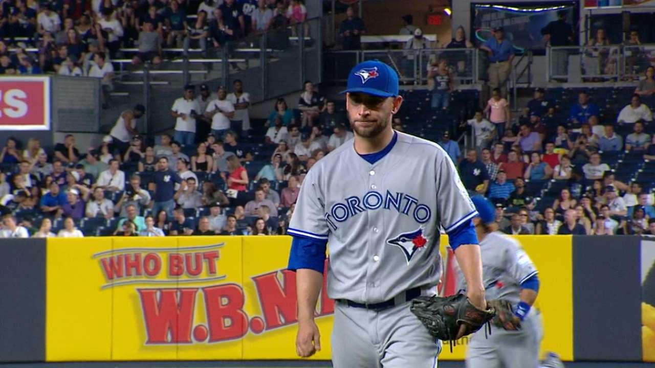 Estrada se faja y Azulejos frenan racha ganadora de Yankees