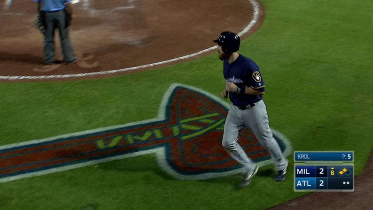 Brewers' win in extras took shape in key 8th