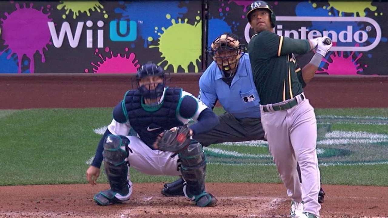 Davis homers, but A's, Neal roughed up by Mariners