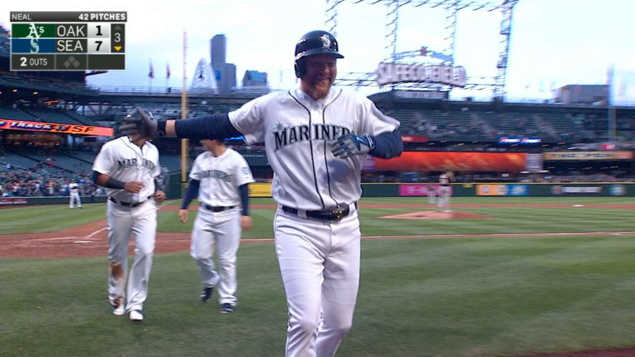 Led by Lind's 6 RBIs, Mariners pour it on A's