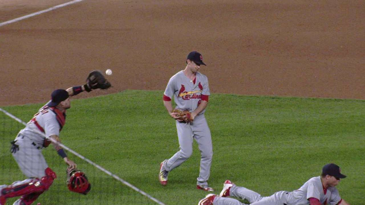 Top GIFs: Yadi to the rescue