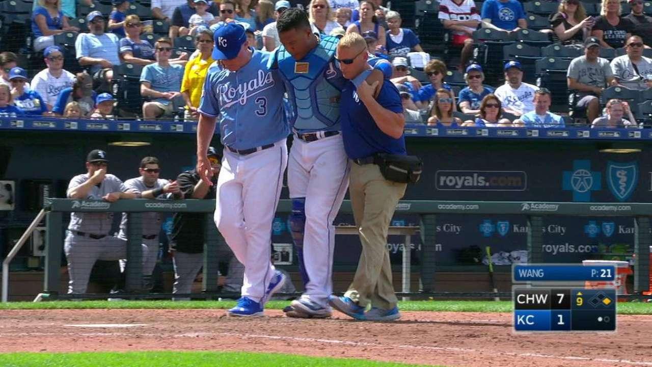 Royals' Perez suffers quad contusion in collision