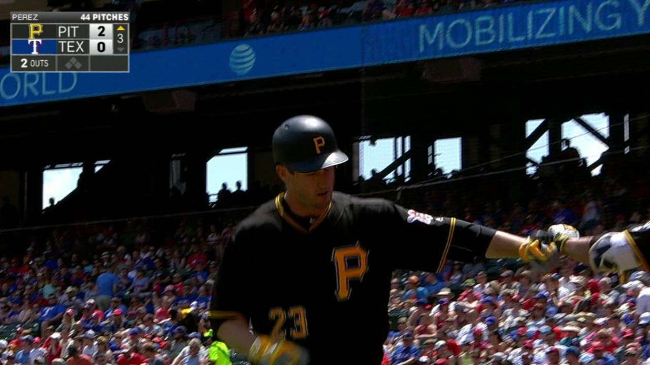 Freese makes most of return to Texas