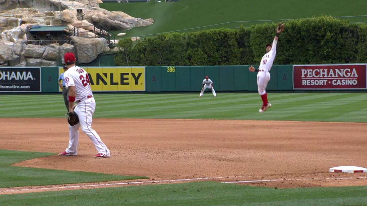 Giavotella's leaping catch