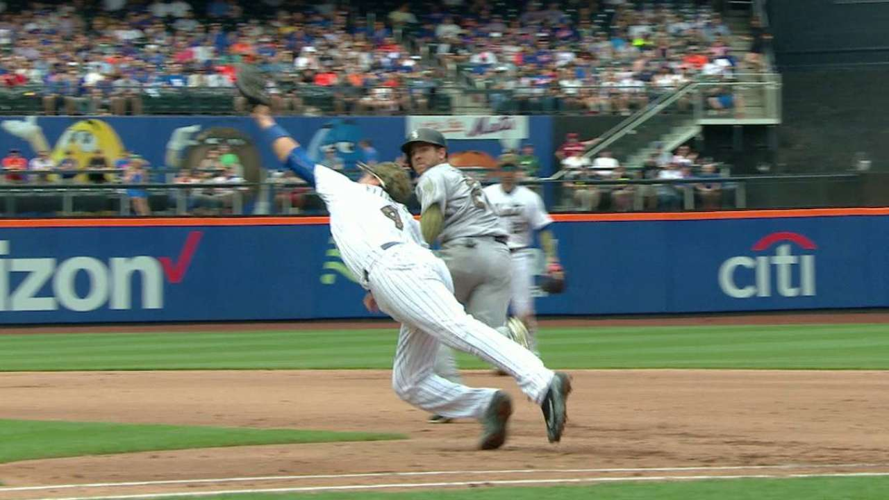 Flores' gorgeous unassisted DP