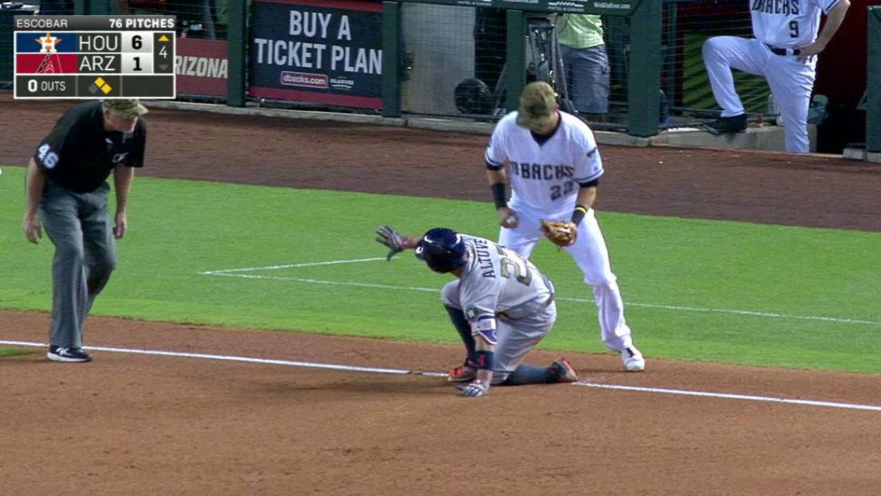 Altuve's RBI triple